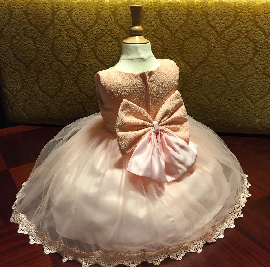 Barn klänningar
